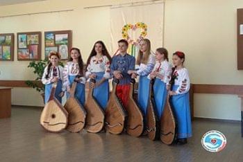 Акции - Прошла благотворительная ярмарка в «Броварской детской школе искусств» | Фонд Инна