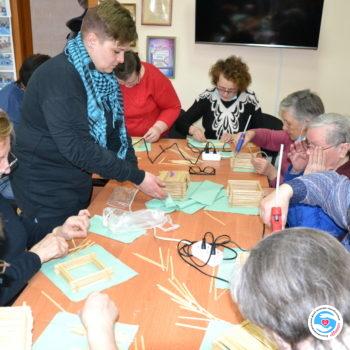 Новости - Сеанс арт-терапии: изготовление шкатулки из палочек | Фонд Инна - Благотворительный фонд помощи онкобольным